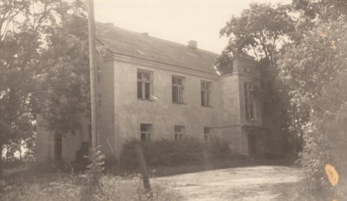 Tühi Kallaste koolimaja